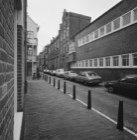 Anjeliersstraat 143 - 157 (ged.), met op de nummers 153 - 157 de Theo Thijssensc…