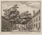 Binnenplaats van het Leprozenhuis. Datering voorstelling: ca. 1765. Techniek: et…