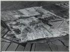 Luchtfoto van de tuinstad Geuzenveld in aanleg en omgeving gezien in noordoostel…