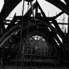 Zeedijk 2, kapconstructie van de Sint Olofskapel na de brand van 1 juni 1966