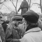 Demonstratie bij de dokwerker op het Jonas Daniël Meijerplein