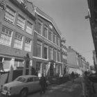 Elandsstraat 34 - 86 (ged.) v.r.n.l. Op nummer 84 het voormalige verenigingsgebo…