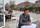 Terras aan de Oranje-Vrijstaatkade bij grand café Arts & Food in het stadsdeelhu…