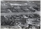 Luchtfoto van het Johan van Hasseltkanaal-West (midden) en omgeving gezien in no…