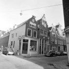 Egelantiersstraat 18 - 54 v.r.n.l. en links de Eerste Egelantiersdwarsstraat