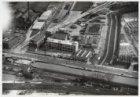 Luchtfoto van de Haarlemmerweg en de Haarlemmervaart gezien in zuidelijke richti…