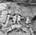 Duivendrechtsekade 50, werf Monumentenzorg, diverse gevelrestanten