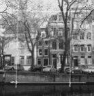 Herengracht 371 - 375, met aansluitend links de zijgevel van Wijde Heisteeg 9
