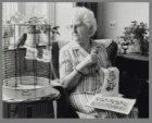 """Portret van Mevrouw Bakker, """"naaldkundige"""" uit de Katrijpstraat"""