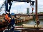 Bouwput voor de aanleg van de Noord/Zuid-metrolijn aan de IJ-oevers