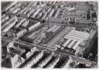Luchtfoto van de Ferdinand Bolstraat (midden) en omgeving gezien in noordoosteli…