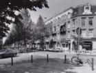 Verhulststraat, Johannes 32-34-36 enz. (v.r.n.l.) hoek Jacob Obrechtstraat