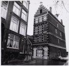 Haarlemmer Houttuinen 36 en links Korte Prinsengracht 2