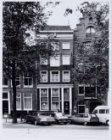 Voorburgwal, Nieuwezijds 40-44 (v.r.n.l.)