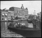 De Binnen Amstel bij de Halvemaansbrug (Brug 221), gezien in noordoostelijke ric…