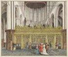 Het interieur van de Nieuwe Kerk, gezien vanuit het schip naar het koorhek en he…