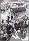 Britse week in de Kinkerstraat, bij de hoek met de Jan Pieter Heijestraat