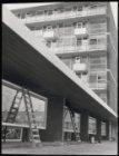 Ongelokaliseerd, flatgebouw in aanbouw