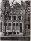 Herengracht 216 (ged.)-218-220 (ged.) (v.r.n.l.). Nummers 218-220 de Economisch-…
