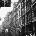Kalverstraat 156 (ged.) - ca 188 v.r.n.l. Op nummer 158 Kunsthandel Koch