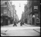 Lindenstraat, links de Eerste Lindendwarsstraat en rechts Eerste Boomdwarsstraat…
