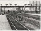 Centraal Station; Exterieur, treinsporen en treinstellen