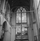Dam 12, Nieuwe Kerk, glas-in-lood-raam