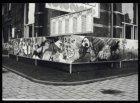 Fragment van het marathonschilderij (210 m) rond het gebouw van het Stedelijk Mu…