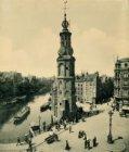 De Munttoren op het Muntplein met links het Singel en rechts de Kalverstraat. Op…