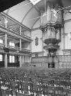 Keizersgracht 102, interieur, preekstoel en orgel in Rode Hoed