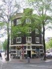 Sint Nicolaas Hotel , ingang Spuistraat 1A, met links de Nieuwezijds Voorburgwal