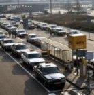 De taxistandplaats voor de aankomsthal van Schiphol
