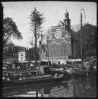 De Noorderkerk op de Noordermarkt, gezien vanaf de Prinsengracht