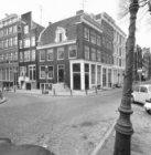 Brouwersgracht 63 - 89 (ged.). Links van het hoekhuis Keizersgracht 2 - 4 v.r.n.…