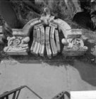 H.J.E. Wenckebachweg 58, werf Monumentenzorg, restanten van een geveltop. Gemark…