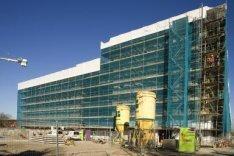 Oranje-Vrijstaatkade. De achterzijde van het nieuwe Stadsdeelhuis Oost-Watergraa…