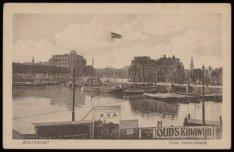 Open Havenfront met v.l.n.r. de Oosterdokskade, het Scheepvaarthuis, de Binnenka…