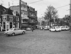 Amstel 200-194, links Amstelstraat en rechts de Blauwbrug