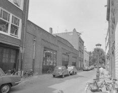 Derde Looiersdwarsstraat 4 - 8 (ged.) v.r.n.l. met aansluitend rechts de zijgeve…