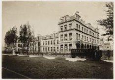 Het Wilhelmina Gasthuis (voormalig Pesthuis), Eerste Helmersstraat 104