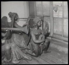Een muziekgezelschap op de zolder van de Ronde Lutherse Kerk, Singel 11