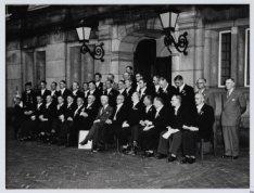 Ontvangst Doesburgs Mannenkoor op het stadhuis door burgemeester A. d'Ailly