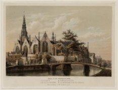 De Oudezijds Voorburgwal gezien uit zuidelijke richting naar de Oude Kerk, over …