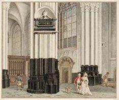Het interieur van de Nieuwe Kerk. In het midden tegen de pilaar de gedenkteken v…