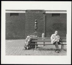 Monument voor Anne Frank (1929-1945) op de Westermarkt bij de Westerkerk door Ma…