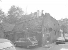 Raamdwarsstraat 2, rechts Raamplein