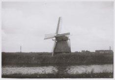 Haarlemmervaart, Molen de Bul (ten westen van Sloterdijk). Op de achtergrond Slo…