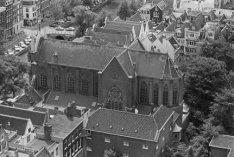 Keizersgracht 220, Onze Lieve Vrouwekerk, bovenaanzicht gezien vanaf de toren va…