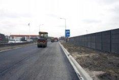 Renovatie van de Gooiseweg. Eerste fase van het asfalteren