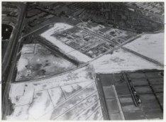 Luchtfoto van het industrieterrein Sloterdijk in aanleg gezien in noordwestelijk…